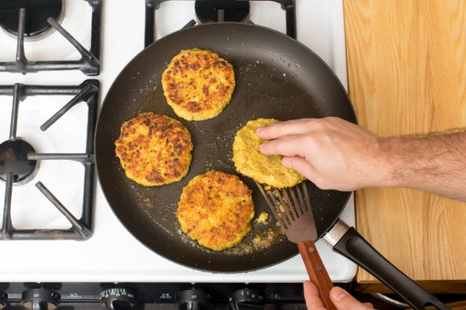 Cook the chickpea patties: