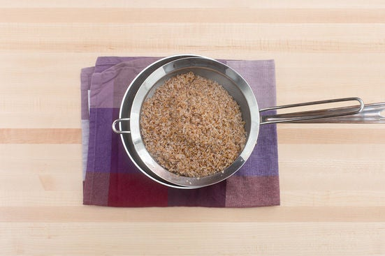 Cook the bulgur: