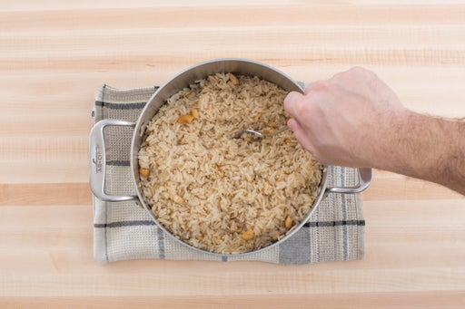 Make the cashew rice: