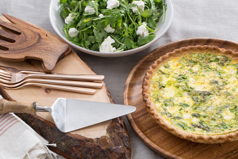 Blue apron quiche artichoke - Asparagus Leek Spring Quiche With Goat Cheese Arugula Salad