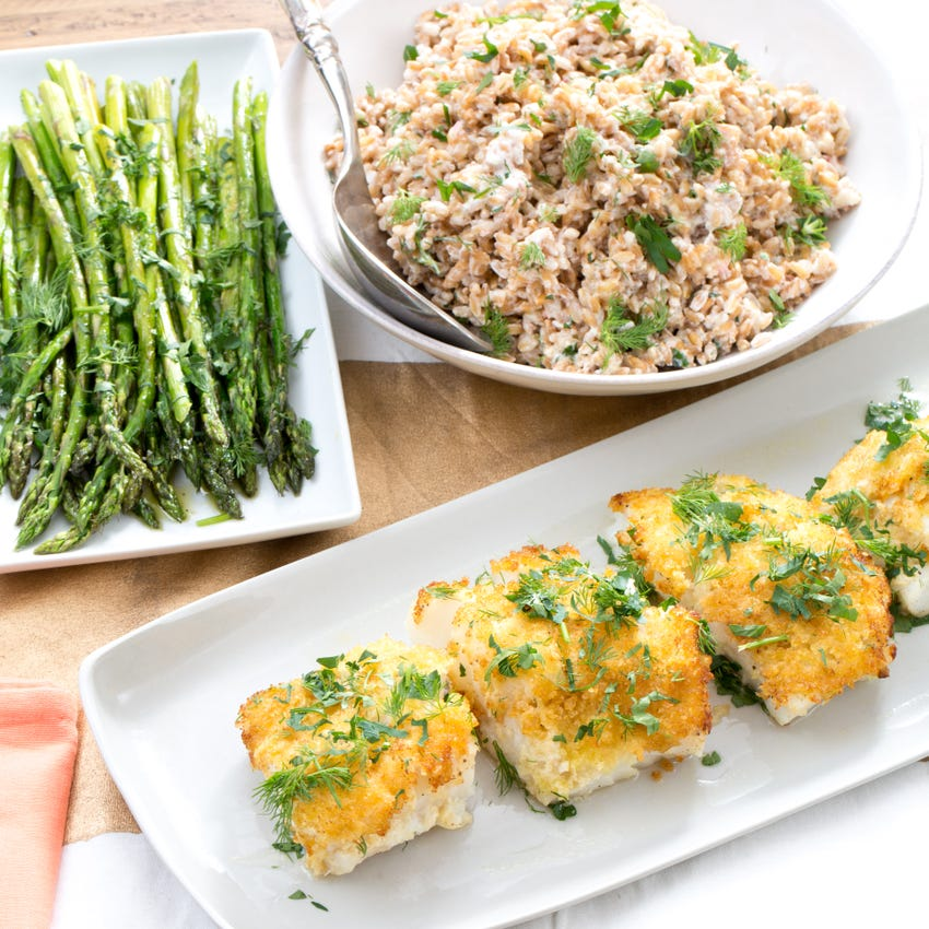 Recipe Panko Crusted Cod With Roasted Asparagus Creamy Farro Salad Blue Apron