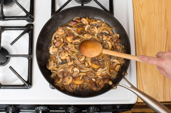 Make the mushroom sauce: