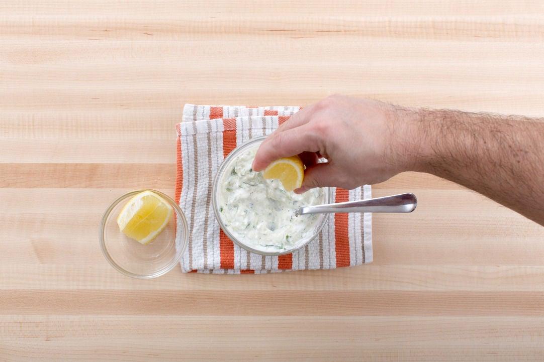 Make the yogurt sauce: