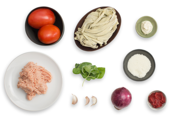 Chicken & Basil Fettuccine Pasta with Mascarpone & Plum Tomatoes ingredients