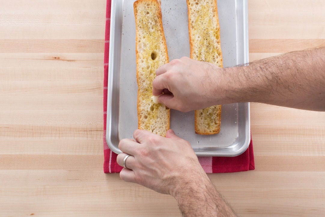 Make the garlic croutons: