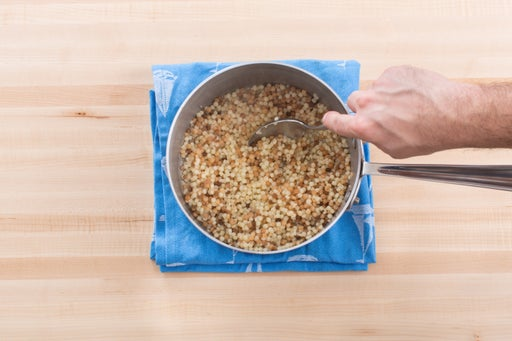 Cook the fregola sarda: