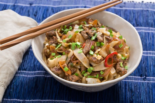 Cumin-Sichuan Beef & Noodles with Sweet Peppers, Cabbage & Garlic Chives