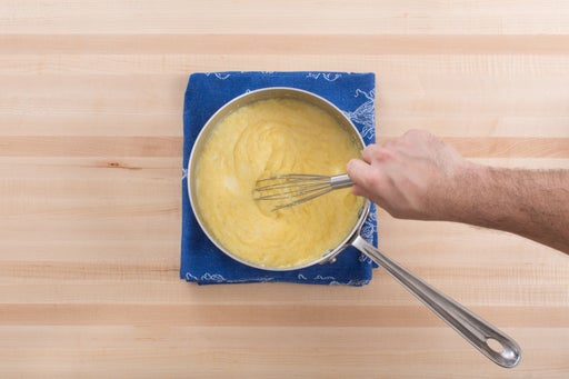 Make the cheesy grits: