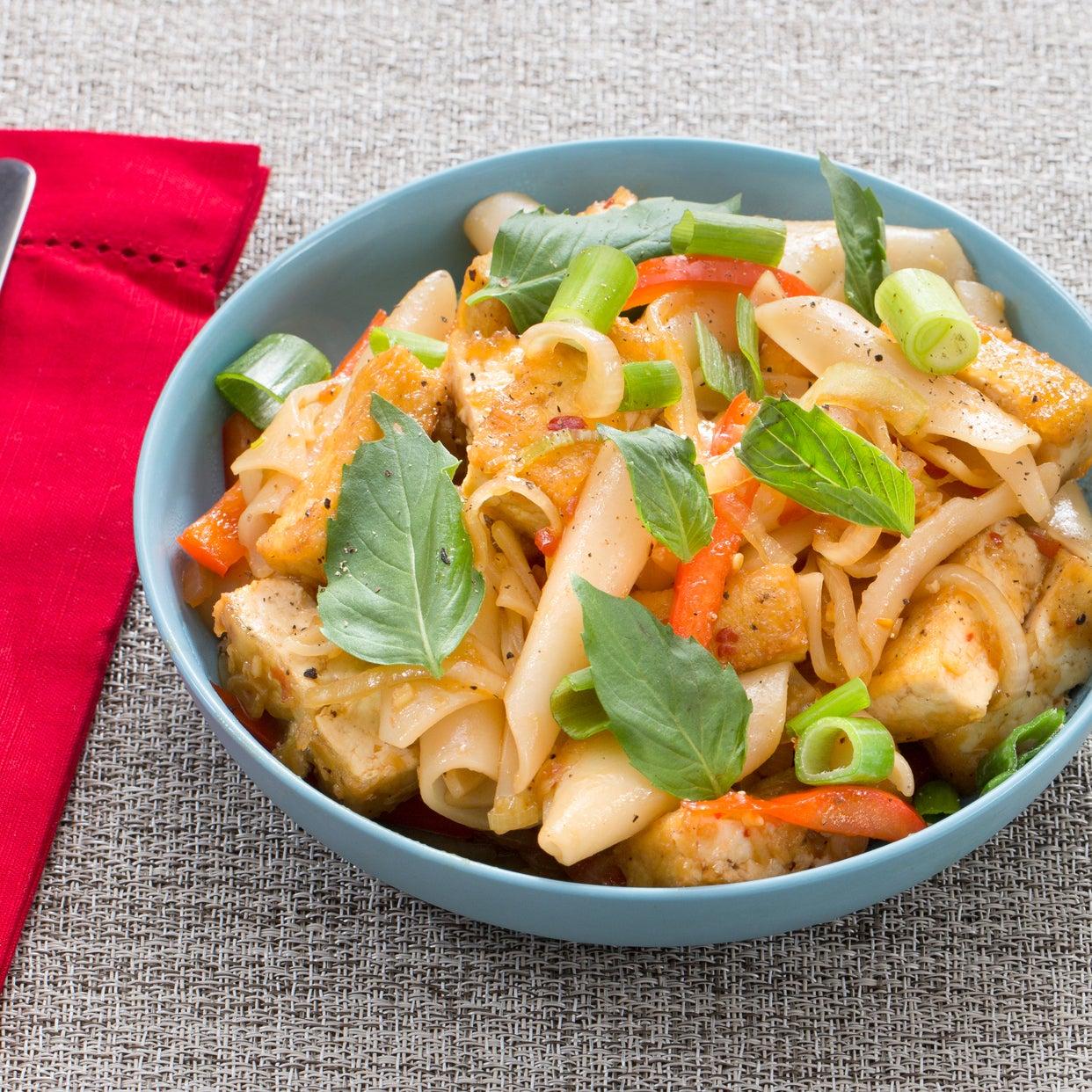 Crispy Tofu Drunken Noodles with Bell Pepper & Thai Basil