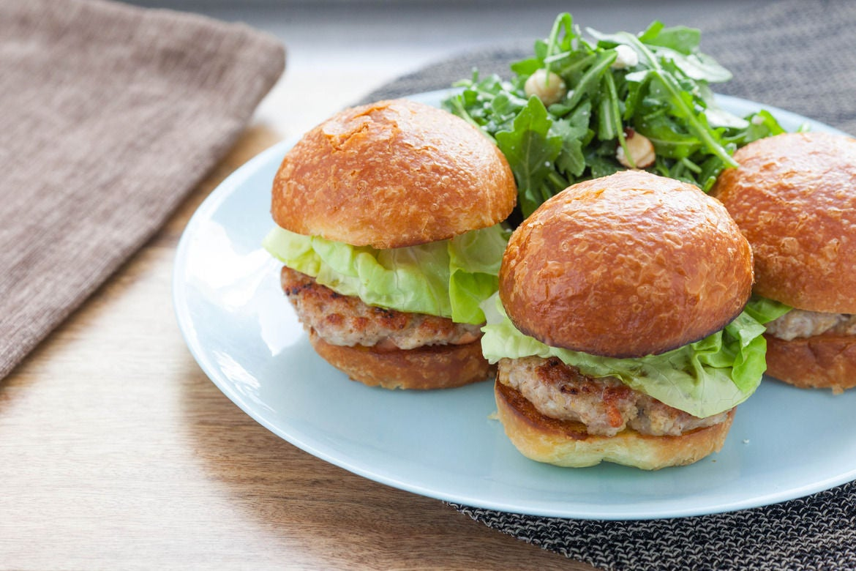 Turkey Burger Sliders with Brioche Buns & Toasted Hazelnut and Arugula ...