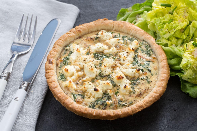 Blue apron quiche artichoke - Goat Cheese Kale Quiches With Butter Lettuce Chive Salad