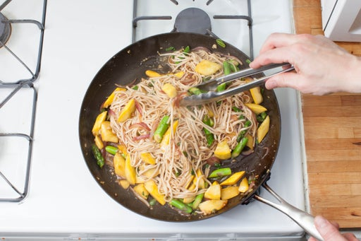 Finish the lo mein & plate your dish:
