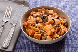 Chicken Cacciatore with Fettuccine Pasta & Mushrooms