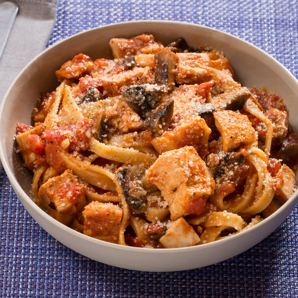 Recipe chicken cacciatore with fettuccine pasta mushrooms blue chicken cacciatore with fettuccine pasta mushrooms forumfinder Choice Image