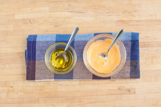 Make the dipping sauce & sriracha mayo: