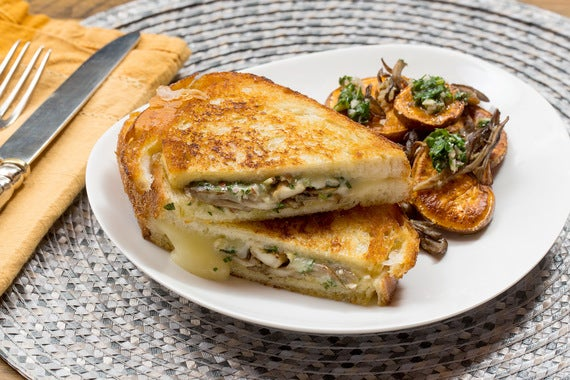 Recipe: Fontina & Pesto Grilled Cheese Sandwiches with Maitake ...