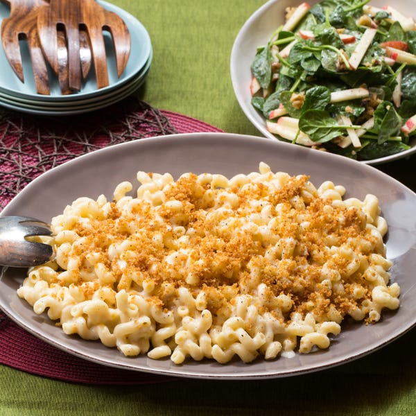 Stovetop Macaroni & Cheese with Spinach, Apple & Walnut Salad