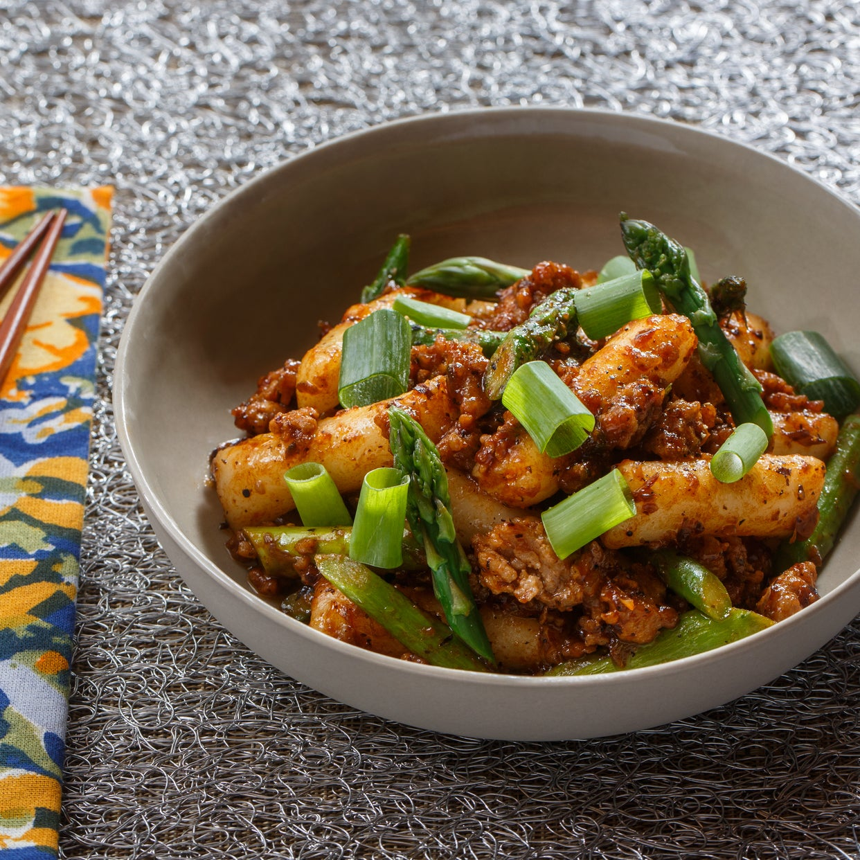Pork Tteokbokki with Asparagus & Spicy Black Bean Sauce