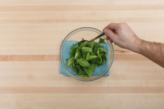 Dress the pea tips: