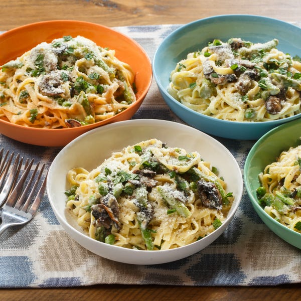 Creamy Spring Linguine with English Peas, Asparagus & Mint