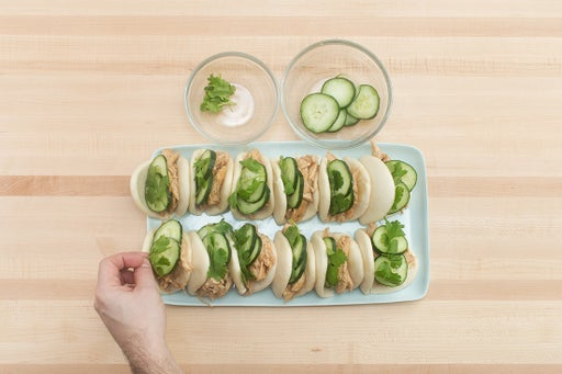 Assemble the buns & serve your dish: