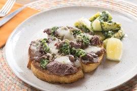 Beef Tartines with Zucchini au Pistou