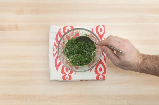 Cook the spinach & make the pistou: