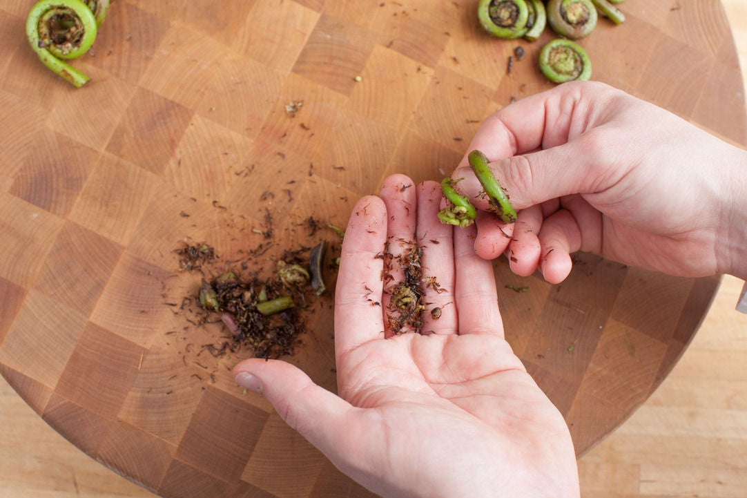 Prepare the fiddlehead ferns: