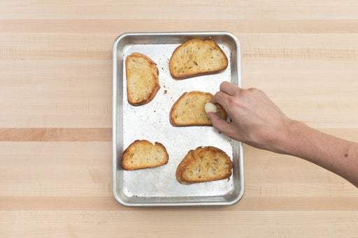 Make the garlic croutons: