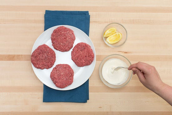 Form the patties & make the aioli: