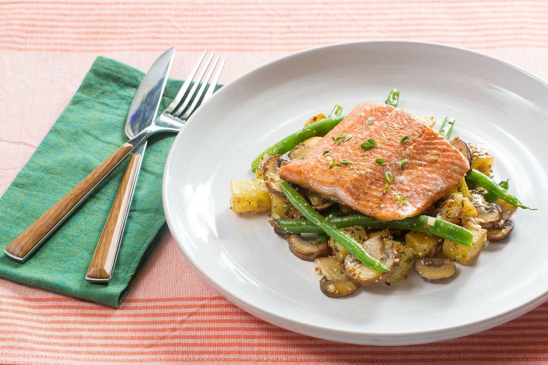 Steakhouse Salmon with Thyme-Sautéed Potatoes, Green Beans & Mushrooms