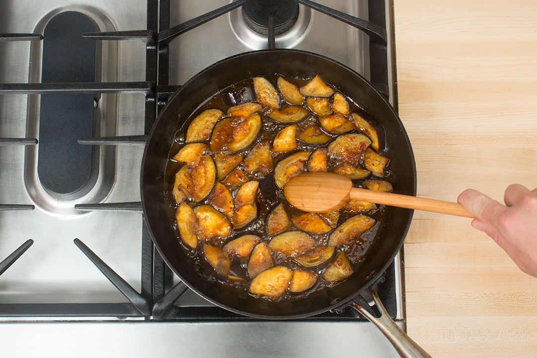 Cook the eggplant & make the sauce: