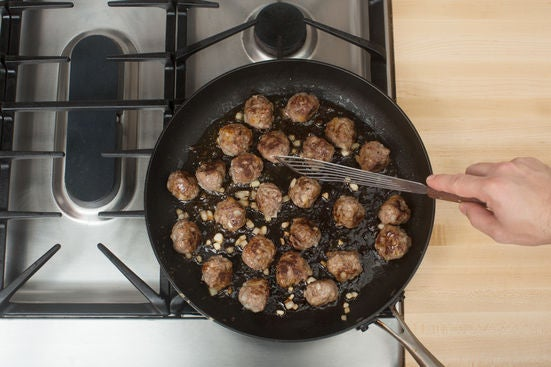 Make the pesto meatballs: