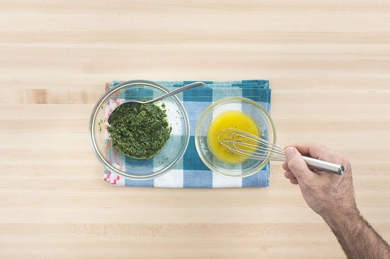 Make the pesto & vinaigrette: