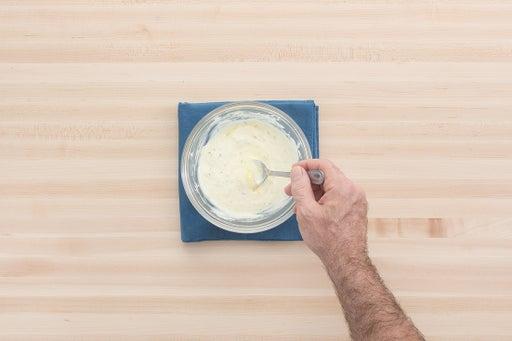 Make the saffron-yogurt sauce: