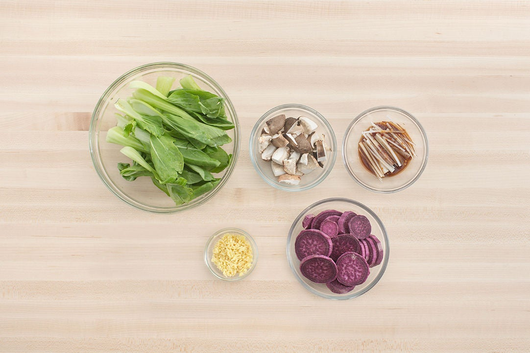 Prepare the ingredients & marinate the radish: