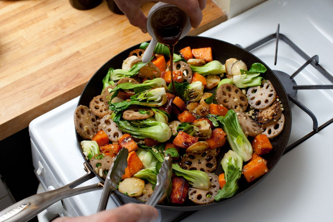 Sunchoke And Cashew Stir-fry Recipe — Dishmaps