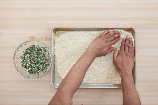Make the topping & prepare the dough:
