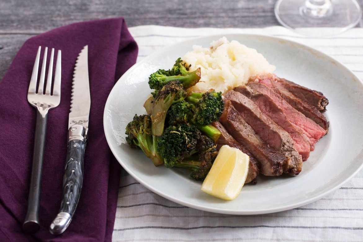 Seared Steak with Garlic Mashed Potato & Sautéed Broccoli