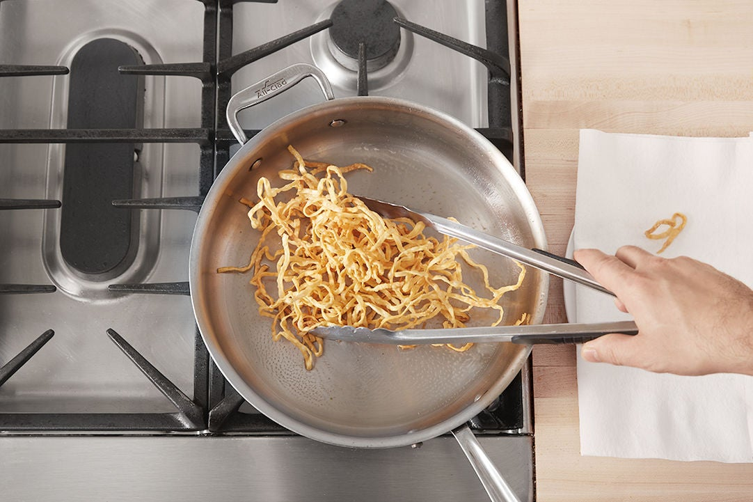 Make the crispy noodles: