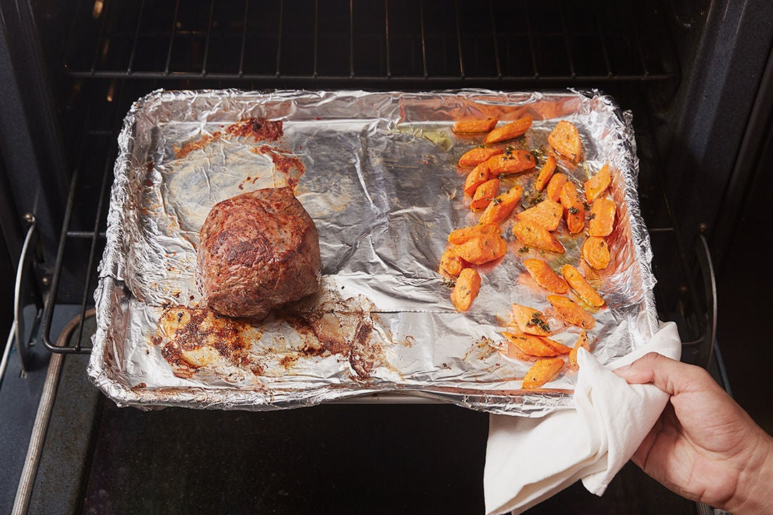 Roast the beef & carrots: