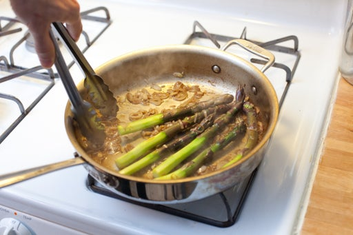 Cook the asparagus & plate your dish: