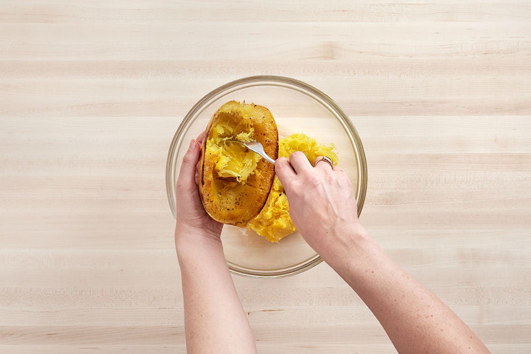 Separate the squash into strands: