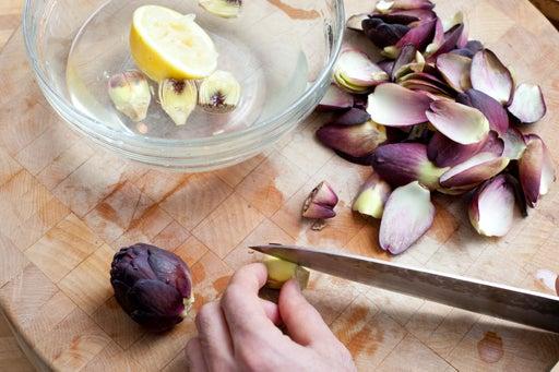 Prepare the artichokes: