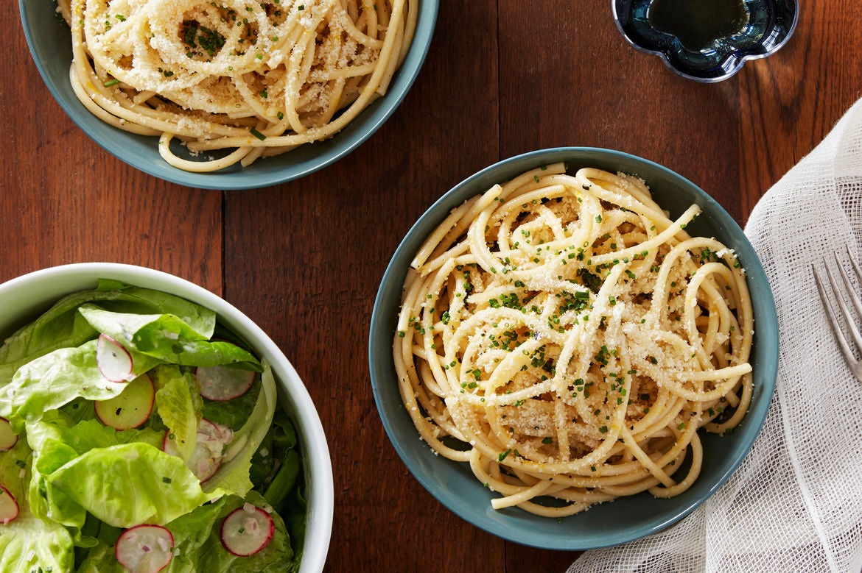 Blue apron bucatini - Meyer Lemon Bucatini With Marinated Radish Butter Lettuce Salad