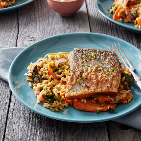 Paprika & Fennel-Spiced Salmon with Spinach, Carrots & Khorasan Wheat