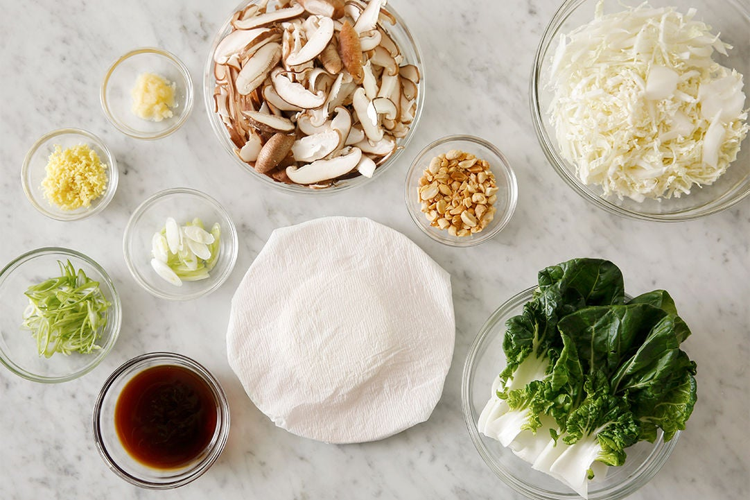 Prepare the ingredients & make the dipping sauce: