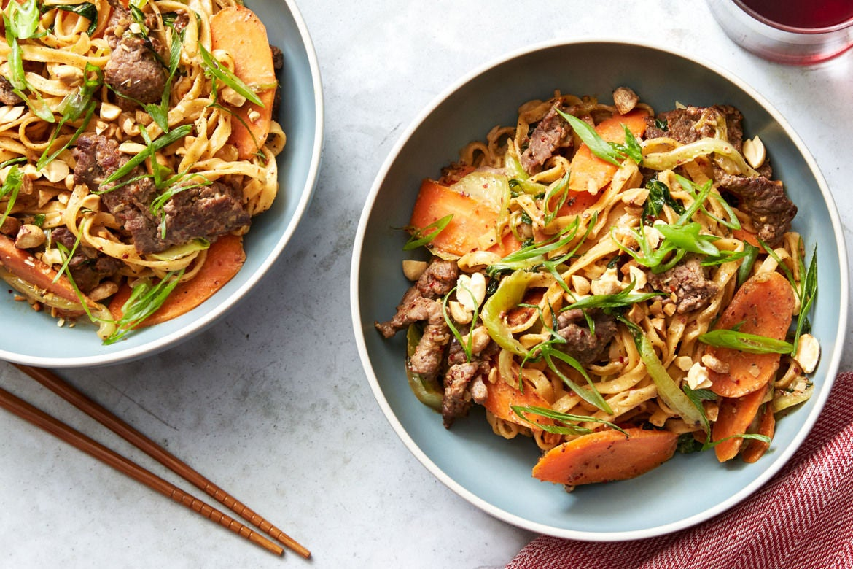 Blue apron hong kong - Blue Apron Wonton Noodles Spiced Beef Dan Dan Noodles With Bok Choy Peanuts