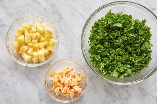 Prepare the ingredients & marinate the kale: