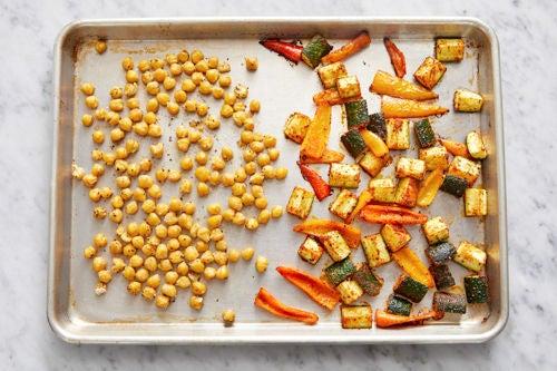Roast the chickpeas & vegetables: